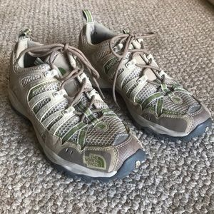 The North Face Trail Hiking Shoes, Women's 9